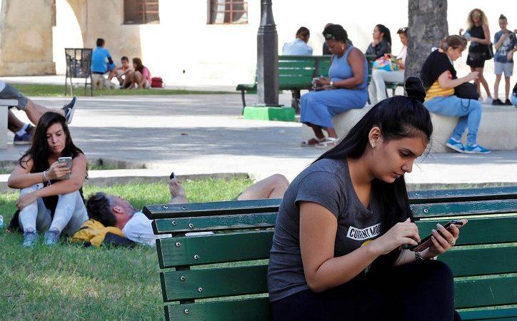Informe: Descubre cuántos usuarios se conectaron a Internet desde Cuba en 2018