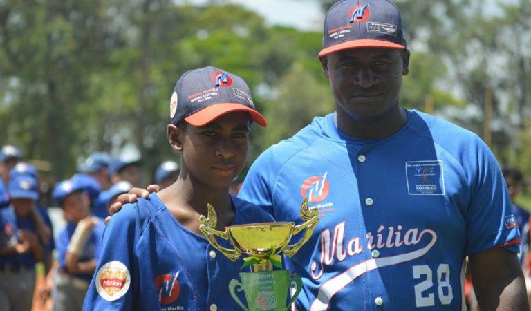 Hijo de ex lanzador de Industriales representa a Brasil en Campeonato Panamericano de béisbol