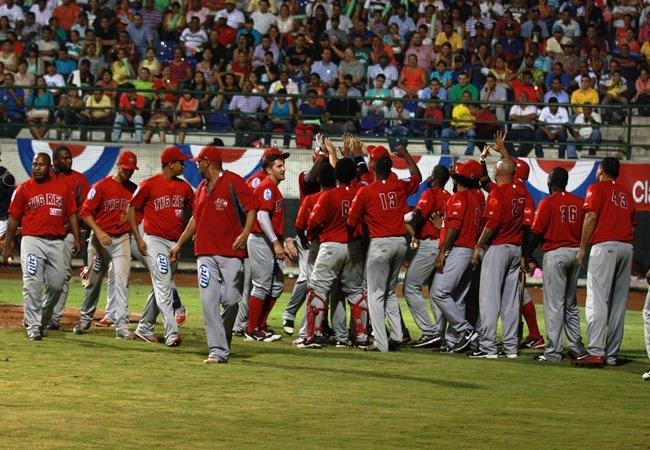 Pelotero y manager cubano quedan sin trabajo tras escandaloso incidente en Liga de Colombia
