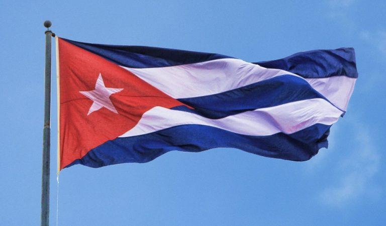 Lo que conoces y (sobre todo) lo que no conoces acerca de la bandera cubana