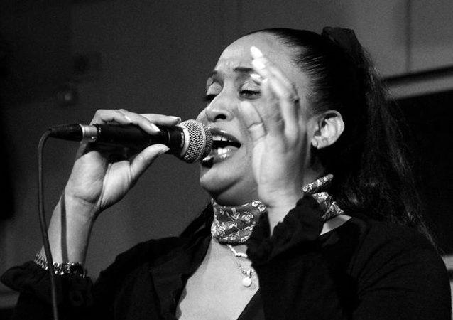 """Alsoris Guzmán, la cubana que inspiró """"La flaca"""", el famoso tema de Jarabe de Palo"""