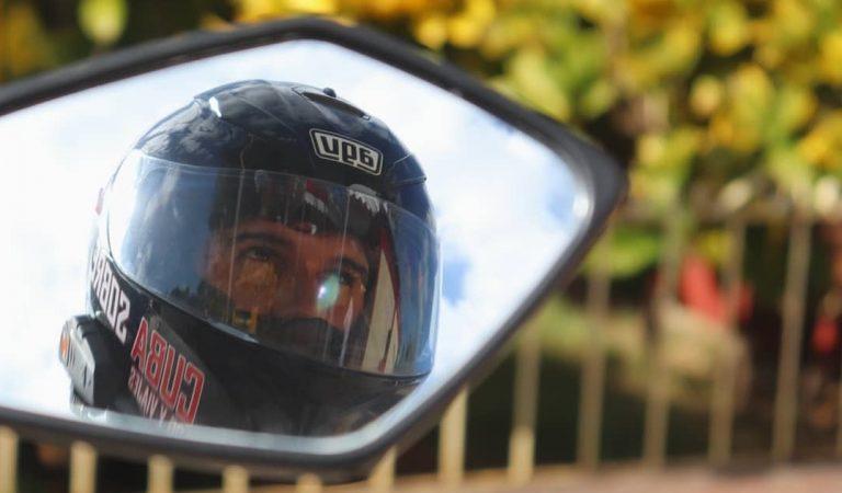 Héctor Fernández, el primer motovlogger cubano