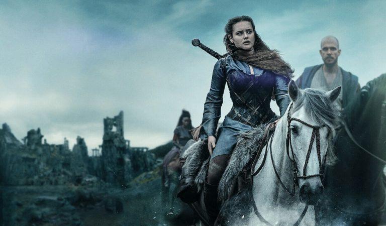 """""""Cursed"""", otra serie de Netflix que falla en demostrar su potencial"""