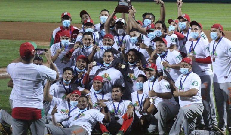 Conocido entrenador cubano debutó como manager en Panamá y llevó a su equipo al título 15