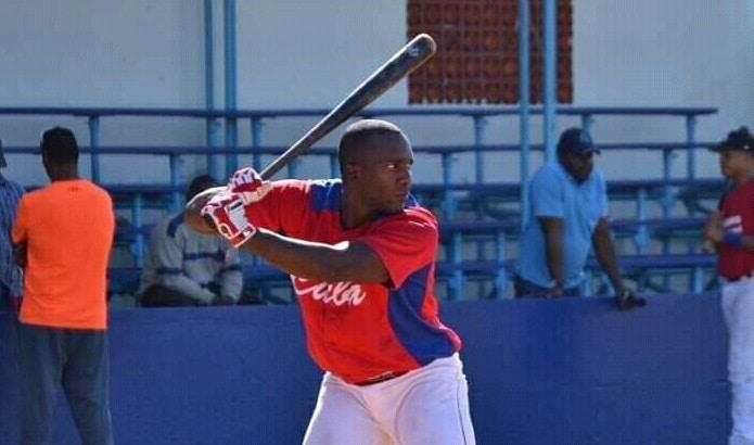 Jugó tres años en Dominicana y estará con Cienfuegos rumbo a la Serie 61