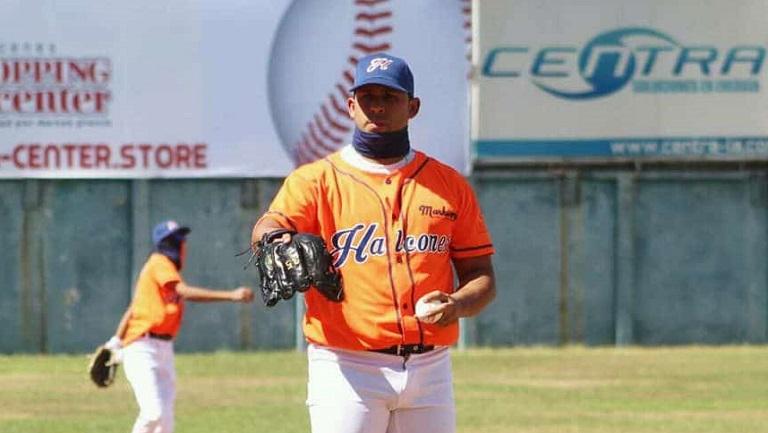 Exlanzador de Industriales quedó campeón en El Salvador y fue el MVP de la final